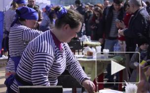 """Жареная рыбка, запах огурцов и Финский залив: в Петербурге отметили """"Праздник Корюшки"""""""