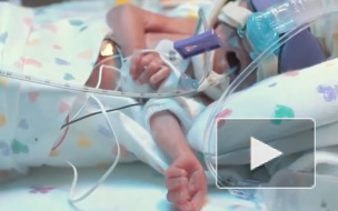 В Японии выписали младенца, который родился с весом 258 г