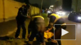 На видео попало грубое задержание полицейскими в Петербу...
