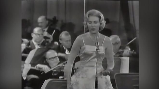 Умерла британская певица Вера Линн