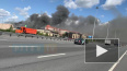 Видео: на Пулковском шоссе горит производственное здание
