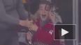 Видео: Александр Овечкин подарил юному болельщику клюшку