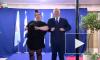 """Премьер-министр Израиля станцевал """"танец курочки"""" с Неттой Барзилай"""