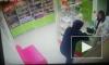 Смешное видео: во Владикавказе неуклюжий пузатый грабитель не смог ограбить аптеку