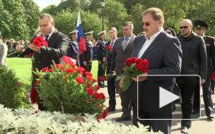 На Смоленском мемориальном кладбище почтили память жертв блокады Ленинграда