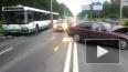 Рейсовый автобус столкнулся с BMW, водитель легковушки ...