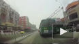 Видео: В Новосибирске два троллейбуса устроили гонки ...