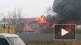 Пожарные потушили полыхающую крышу на Народного Ополчени...