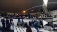 Видео: Матч был прерван из-за столкновений фанатов ...