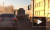 """Видео: на КАД в районе Колпино горит """"ГАЗель"""""""