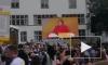 Ангелу Меркель закидали помидорами и освистали на встрече с избирателями