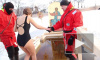 Крещенские купания на Петропавловке 2014: молебен, народный стриптиз и Микки Маус