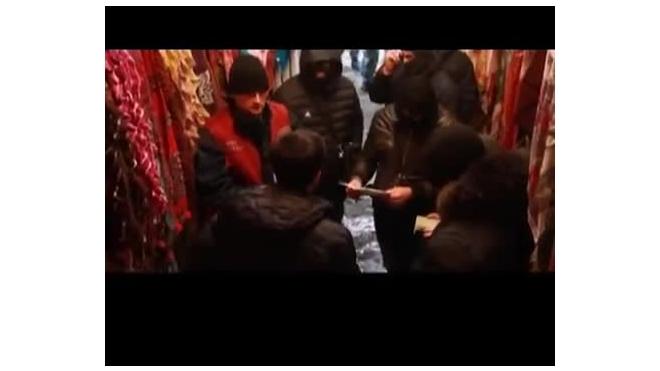 Мигрантов, задержанных в Апраксином дворе, депортируют на родину