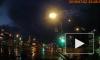 Видео: водителя Kia Rio увезли на машине реанимации после столкновения с микроавтобусом на Дыбенко