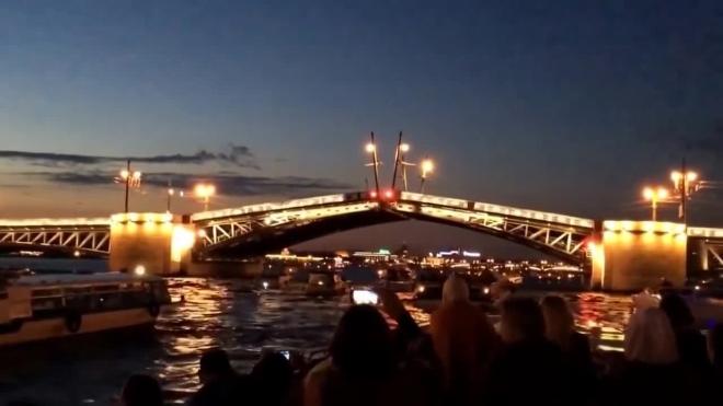 В ночь с 14 на 15 июля разводка четырех мостов продлится