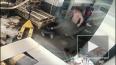В центре Москвы охранники магазина избили тележкой ...