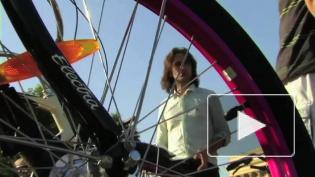 Дворцовую площадь оккупируют велосипедисты
