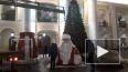 """У станции метро """"Гостиный двор"""" установили елку и ..."""