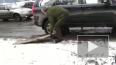 В Екатеринбурге вице-губернатор провалился в яму на доро...