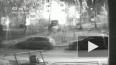Появилось видео, как подростки прыгали по крышам автомоб...