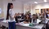 В Петербурге работает лучший учитель истории в России. Она обучает детей с помощью монет
