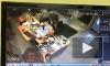 Видео: на Московском проспекте неизвестный напал с пистолетом на салон красоты