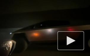 """Илон Маск """"выгулял"""" новый пикап Cybertruck в Лос-Анджелесе"""