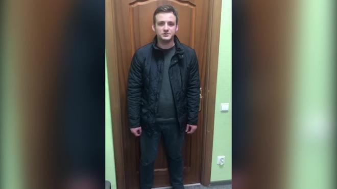 В Петербурге задержали мужчину, вынудившего полицейского достать оружие на Сенной площади