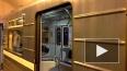 Очевидцы: в утренний час пик в метро от поезда шел дым