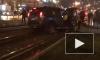 Видео: водитель ехал по трамвайным путям и врезался в остановку