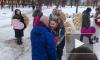 Житель Петербурга сделал предложение руки и сердца в окружении ангелов с золотыми крыльями