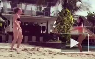 Видео: футболистки в бикини, на которых можно смотреть вечно