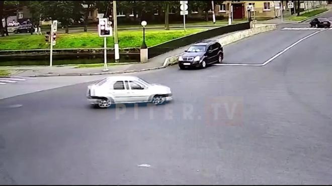 После выстрела из газового пистолета в Колпино на обидчика завели уголовное дело