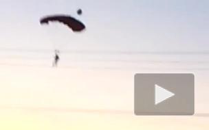 Бейсджамперы прыгнули с высотки в Московском районе