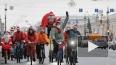 По Петербургу пронеслись Деды Морозы и Снегурочки ...