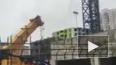 В результате падения башенного крана в Химках погиб ...