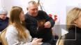Молодым выборжанам торжественно вручили первые паспорта