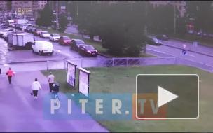 На Ленинском проспекте произошло ДТП с маршруткой