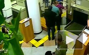 В Хабаровске задержали россиянку, которая хотела вывезти в Китай 1 кг ртути
