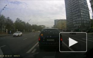 Поторопился Ленинский проспект.