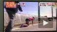 Видео из Японии:: Бегунья сломала ногу, но смогла ...
