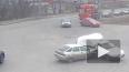 Видео из Ярославля: дорогу не поделили три авто