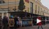 """Видео: у музея """"Гранд Макет Россия"""" в Петербурге выстроилась огромная очередь"""