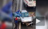 На Таллинском человека зажало в машине: медики ставили ему капельницу на месте ДТП