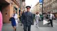 На улице Рубинштейна полицейский рассказал прохожим ...