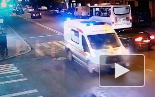 """Появилось видео момента ДТП на Загородном. Пешехода сбила """"скорая"""""""