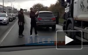 Разборка автомобилистов на Планерной попала на видео