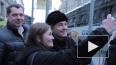 Сергея Безрукова атаковали фанатки в центре Петербурга