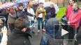 Петербуржцы под дождем провели народный сход против ...