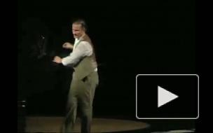 50 сменил на «1900-й». Олег Меньшиков выступает на сцене Александринки